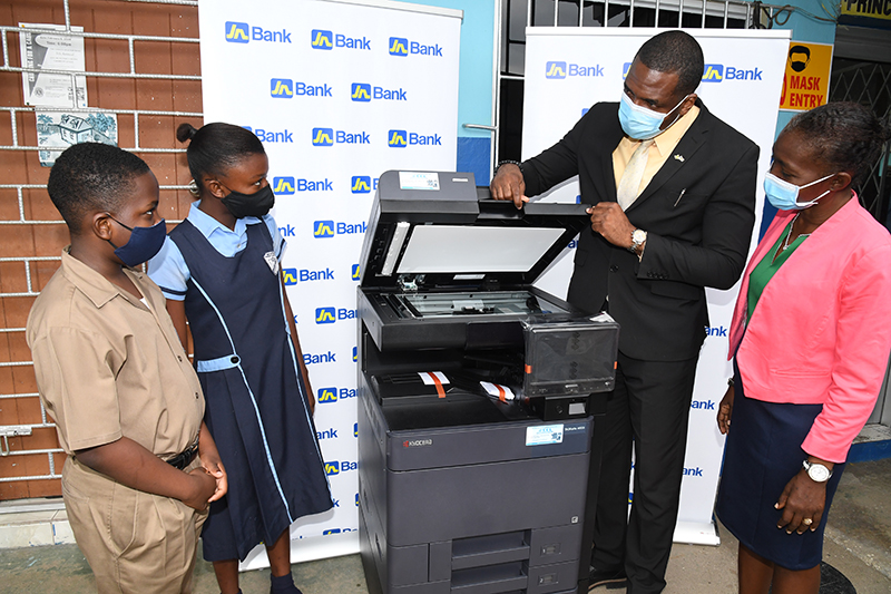 JN Bank Gifts Braeton Primary and Infant School